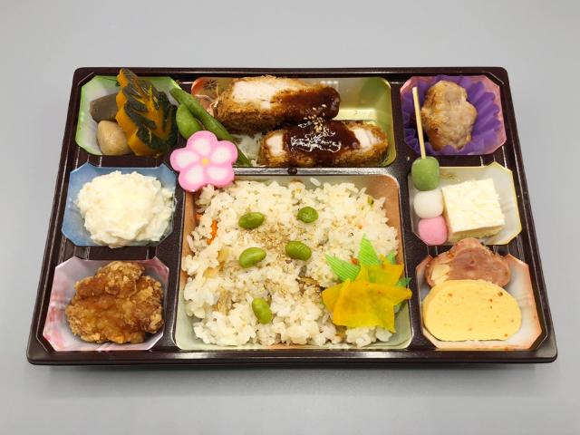 行楽弁当(あさり御飯)700円(税込)